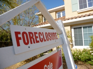 """Sign of the Times-Foreclosure"" by respres - http://www.flickr.com/photos/respres/2539334956/. Licensed under CC BY 2.0 via Wikimedia Commons - http://commons.wikimedia.org/wiki/File:Sign_of_the_Times-Foreclosure.jpg#/media/File:Sign_of_the_Times-Foreclosure.jpg"